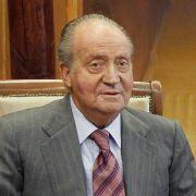Mehr als einen peinlichen Promi-Patzer leistete sich der spanische König Juan Carlos. Erst wurde er bei der Elefantenjagd erwischt, dann flog seine Affäre mit einer deutschen Adligen auf.