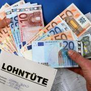 Was haben Politiker am Ende des Monats im Geldbeutel?