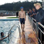 Auch für Badespaß im kühlen Nass scheint in dem Freizeitpark gesorgt zu sein. Zu einer Schwimmeinlage ließ sich Kim Jong Un aber offensichtlich nicht hinreißen.