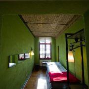 Gesiebte Luft gibt's gratis: In mehreren Gefängnishotels in Deutschland erwartet Übernachtungsgäste ein Urlaub der etwas anderen Art.