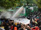 ...400 Menschen wurden durch die Räumung des besetzten Schlossgartens verletzt. (Foto)