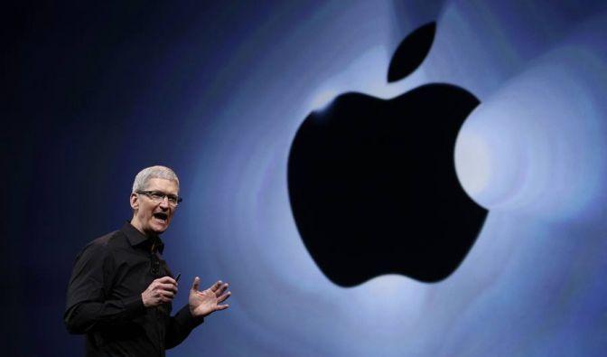 Zum ersten Mal präsentiert Tim Cook ein iPhone. (Foto)