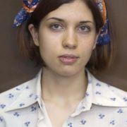 Das ist Nadeschda Andrejewna (Nadja) Tolokonnikowa. Die 23-Jährige hat eine vierjährige Tochter.