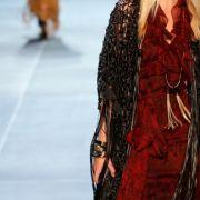 Hedi Slimante zeigte seine erste Kollektion für Yves Saint Laurant.
