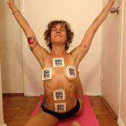 Lady Gaga twittert ihre Yoga-Lehrerin.