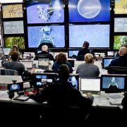 Überwacht wird die Mission vom Kontrollzentrum, das mit Baumgartner in ständigem Kontakt steht. Mit dem Projekt sollen wichtige wissenschaftliche Erkenntnisse für die Raumfahrt gewonnen werden. Der Nutzen ist aber unter Experten umstritten.