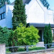 Auch Michael Kornowskis Firma ist im niedersächsischen Seelze in einer ehemaligen Kirche untergekommen.