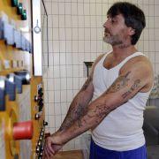 Harry W. arbeitet in der JVA Mannheim in der Wäscherei. Rentenbeiträge werden nicht für ihn gezahlt.