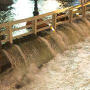 Wassermassen ergießen sich über die Straßen von New York - hier wird der Brooklyn Battery Tunnel geflutet.
