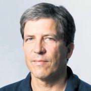 Unser Experte am Telefon: Dr. Hans-Peter Buchmann, Leiter des Qualitätsmanagements der Augenklinik Theresienhöhe in München.