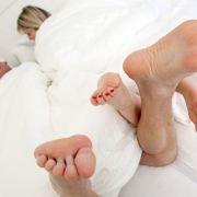Ein verheiratetes Paar mit Kindern verbringt durchschnittlich nur vier Minuten am Tag allein miteinander.