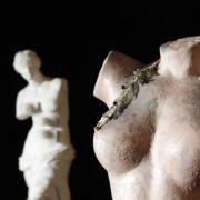 Irgendwie müssen Brüste gehalten werden, das war der Menschheit schon immer klar.