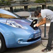 Die besten Bilder zu Nissan kündigt 15 deutschen Händlern: Harte Laub-Bandagen