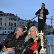 Robert und Carmen gondeln durch Venedig
