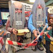 Denn die Mainzer gehen davon aus, dass die beiden SPD-Politiker den künftigen Hauptstadtflughafen als alte Männer mit langen Bärten eröffnen werden.
