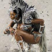 Volle Konzentration: Diese Tänzerin weiß, dass es bei den Wettbewerben um alles geht. Das Kostüm bekommt jedenfalls schon mal volle Punktzahl!