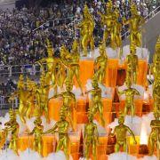 «Bezauberndes Deutschland» - so lautet das Thema des diesjährigen Karnevalsumzuges in Rio de Janeiro. Die Trommler, Tänzer und Karnevalsköniginnen der Samba-Schule «Unidos da Tijuca» machen diesem Motto alle Ehre.