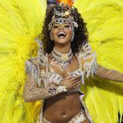 So viel Herzlichkeit und Frohsinn: Brasiliens Karnevalshochburg Rio de Janeiro hat mit einem rauschenden Fest auf Straßen, Plätzen und im legendären Sambódromo die Endphase im «Carnaval 2013» eingeläutet.