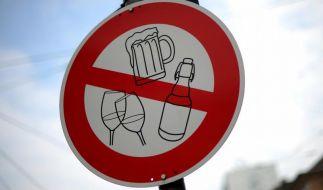 Kein Alkohol in der Fastenzeit: Die Menschen verzichten weiterhin auf die klassischen Genussmittel. Aber auch Einschränkungen etwa beim Auto oder Internet werden immer populärer. (Foto)