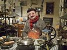 Walter Günther in seiner Werkstatt: Er erfindet Dinge, die vergessen wurden. (Foto)