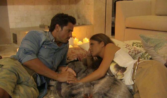 Bachelor Jan ist ganz vernarrt in die schöne Alissa. (Foto)