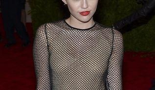 Miley Cyrus mit Punk-Frisur. (Foto)