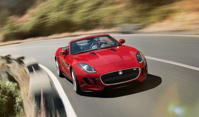 Der Jaguar F-Type ist bereits für 73.400 Euro zu haben. Mit knapp 500 PS und einer Höchstgeschwindigkeit von 300 km/h spielt der Jaguar dennoch in der Liga der Supersportler mit. (Foto)
