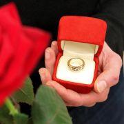 Zwar ist die Verlobung nur ein Versprechen, doch bei einer geplatzten Hochzeit muss der Ex-Partner unter Umständen für die Folgen geradestehen.