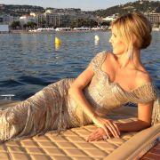 Wer würde nicht gern eine Bootsfahrt mit dem heißen Topmodel machen?