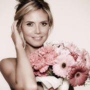Als unschuldiges Blumenmädchen...