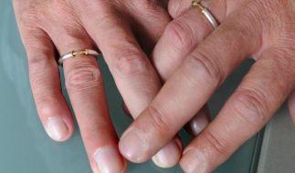 Anne und Francis wollen gemeinsam diese Erde verlassen. (Foto)