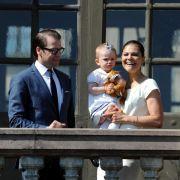Ob sie so glücklich werden wie Kronprinzessin Victoria und Prinz Daniel, hier mit der kleinen Prinzessin Estelle? Der Vergleich liegt natürlich nahe.