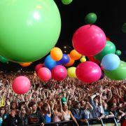 Während dem Auftritt der amerikanischen Rockband 30 Seconds To Mars wurden überdimensionale Luftballons ins Publikum geworfen.