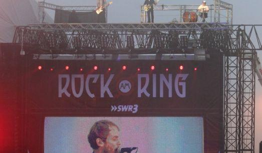 Ein Festival war den Sportis nicht genug. Deswegen brachten sie auch noch den Ring zum Beben. Am Ende ihres Auftritts waren sie auf dem Dach der Hauptbühne des Festivals zu sehen.