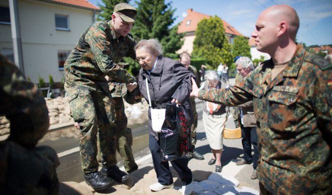 Besonders unsere älteren Mitbürger sind in diesen Tagen... (Foto)