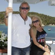 Freuen sich über ihre neue Yacht: Robert und Carmen Geiss.