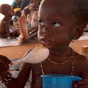 Alle vier Sekunden stirbt ein Mensch an Hunger. Alle 3 Sekunden ein Kleinkind in Afrika.