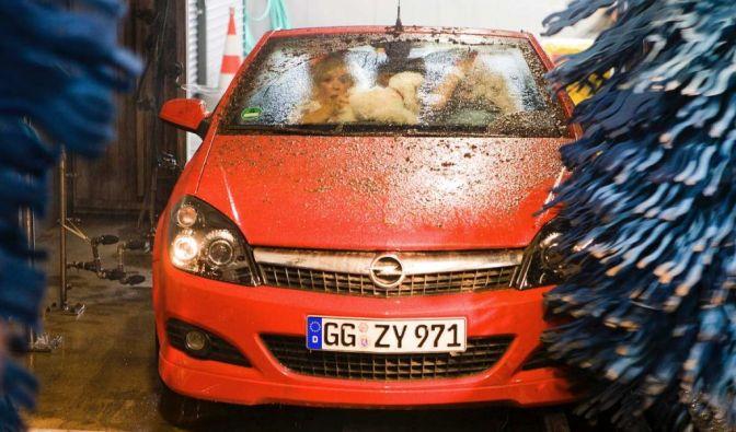 Die besten Bilder zu Autowäsche: Korrekte Wäsche (Foto)