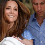 Die glückliche Mutter mit ihren beiden Prinzen.