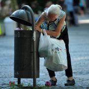 Obdachlose werden in Berlin jetzt von Touristen-Gruppen begafft.