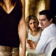 Sex mit der Partnerin zu langweilig geworden? Dann am besten noch deren besten Freundin mit ins Bett nehmen.