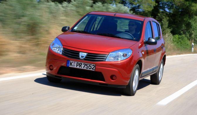 Der Dacia Sandero ist ein Fahrzeug der Kompaktklasse. Die erste Generation kam 2008 auf den Markt. In der ADAC-Umfrage erreichte er den dritten Platz.