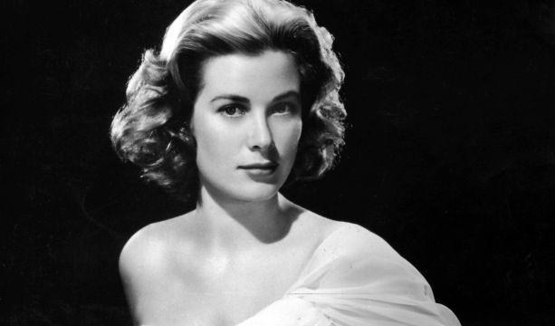 Grace Kelly, US-amerikanische Schauspielerin, Oscar-Preisträgerin und Fürstin von Monaco, kam 1982 im Straßenverkehr ums Leben.