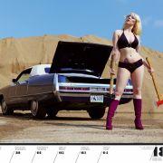 Frisur des Modells Leolilly und Bauzeitraum des Chrysler Imperial fallen eindeutig in die 1970er.