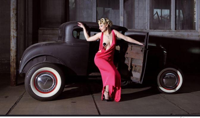 Die 52 Fotos im «Girls & legendary US-Cars»-Kalender von Carlos Kella zeigen über 20 heiße Ladys und über 30 amerikanische Traumautos im Gespann. Das getunte Model A von Ford ist eines der ältesten Modelle. (Foto)