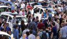 Besucherandrang bei der Internationalen Automobilausstellung (IAA) 2011 am Stand von Volkswagen.  Foto: dpa