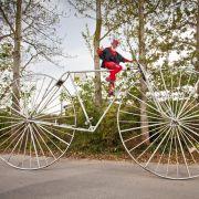 Die Rahmengröße dieses Fahrrads kommt Ihnen exorbitant vor? Nun, Didi Senft mag es eben eine Spur größer.