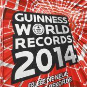 Die Ausgabe 2014 des Guinness World Records-Buches.