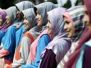 Alle mal bitte in die Kamera lächeln: Bei der Wahl zur «Miss Muslim World» treten 19 junge Frauen an... (Foto)
