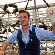 Rolli-Fahrer prangern an: Derbe Kritik gegen Silbereisen! (Foto)